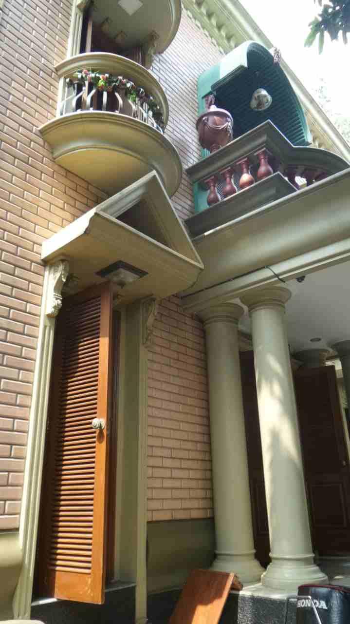Rumah Mewah 3 lantai di Kawasan Kebayoran lama siap Huni - 5