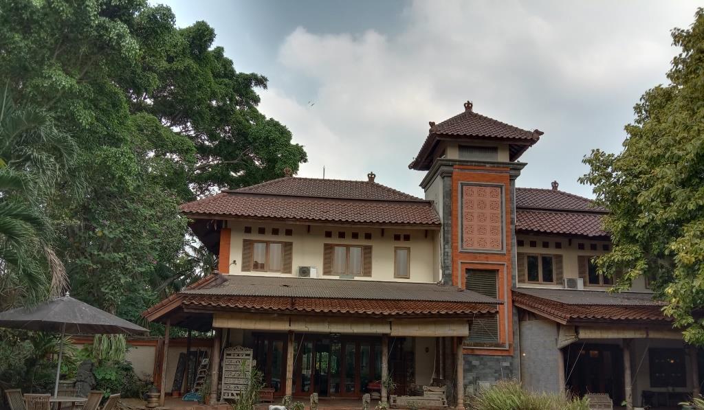 Rumah balinese style di kompleks BALI VIEW, aman, dekat ...