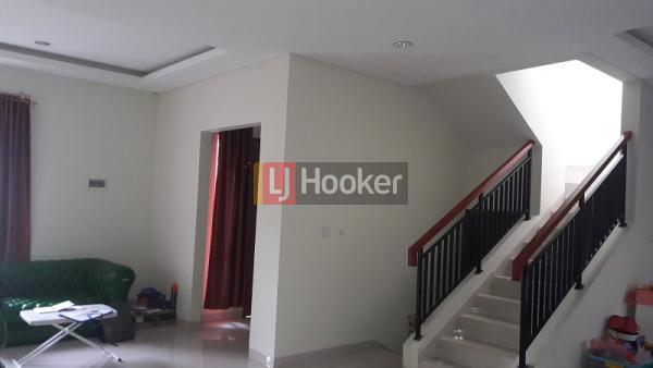 Dijual rumah Modern di kawasan Premium Selatan Jakarta - 1