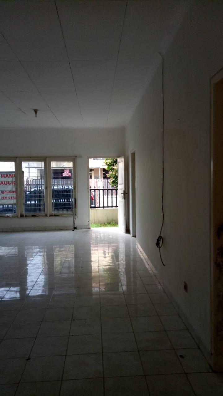 Rumah 1 lantai Blok A, 200 meter dari MRT, bebas banjir, lingkungan elit - 6