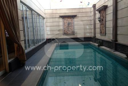 Rumah Hook Mewah 2 Lantai di Kelapa Gading Jakarta Utara, 2 Lantai , Listrik 22,000 Watt - 4