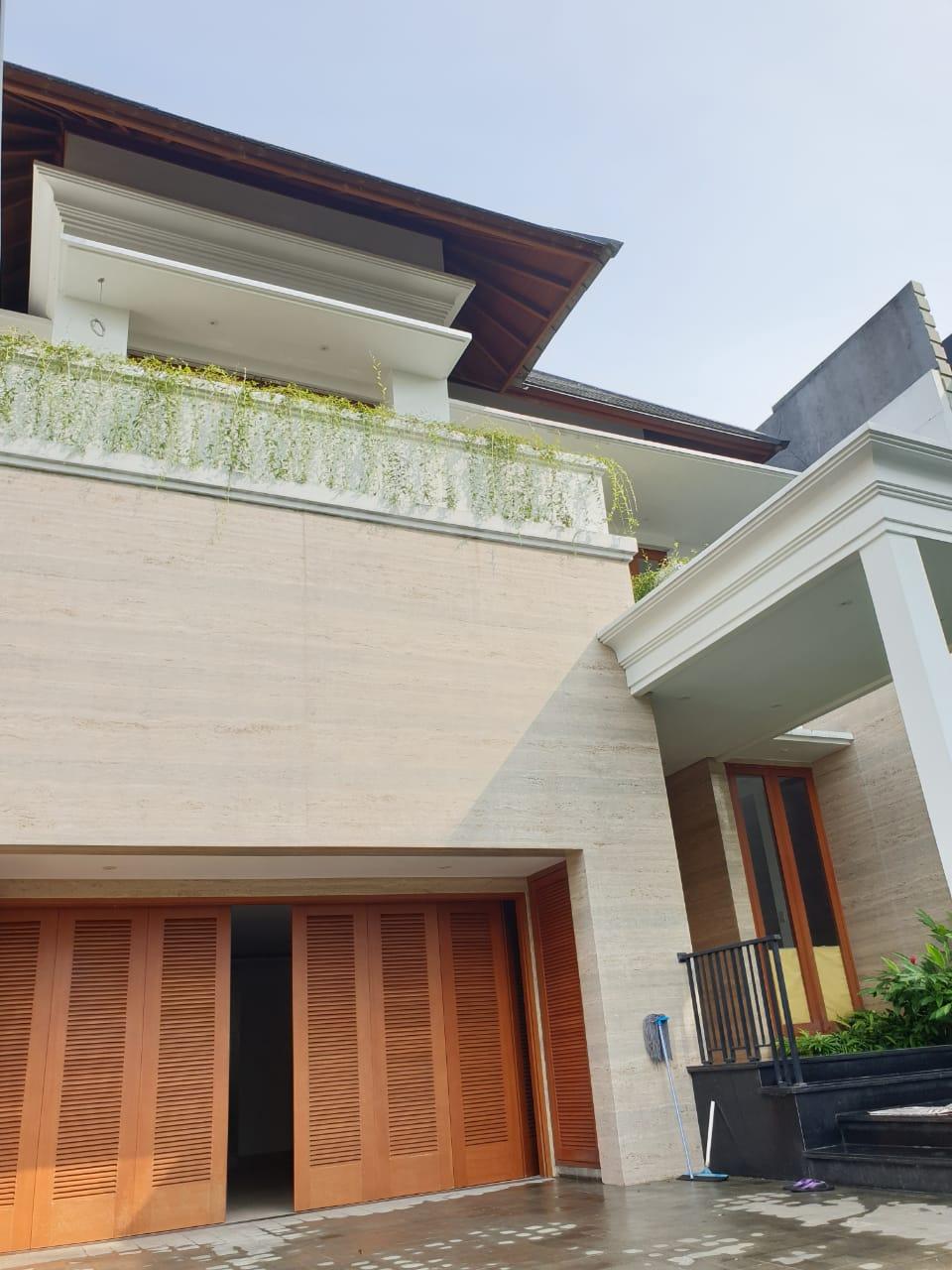 Rumah mewah Bonus Kolam Renang di Pondok Indah, Jakarta Selatan - 5