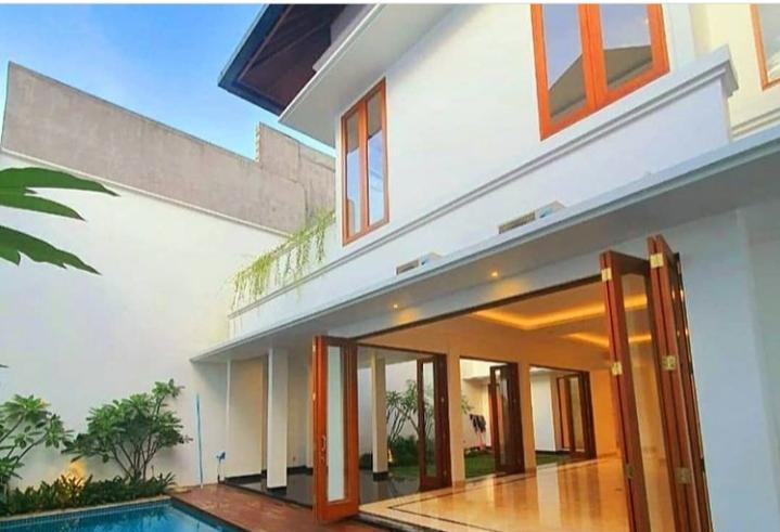 Rumah mewah Bonus Kolam Renang di Pondok Indah, Jakarta Selatan - 2