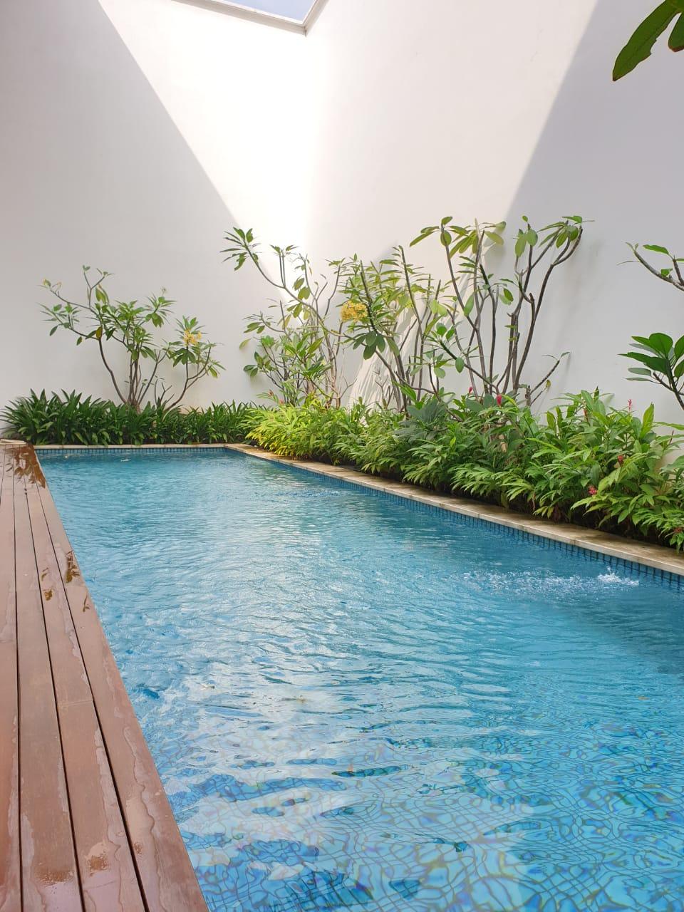 Rumah mewah Bonus Kolam Renang di Pondok Indah, Jakarta Selatan - 6