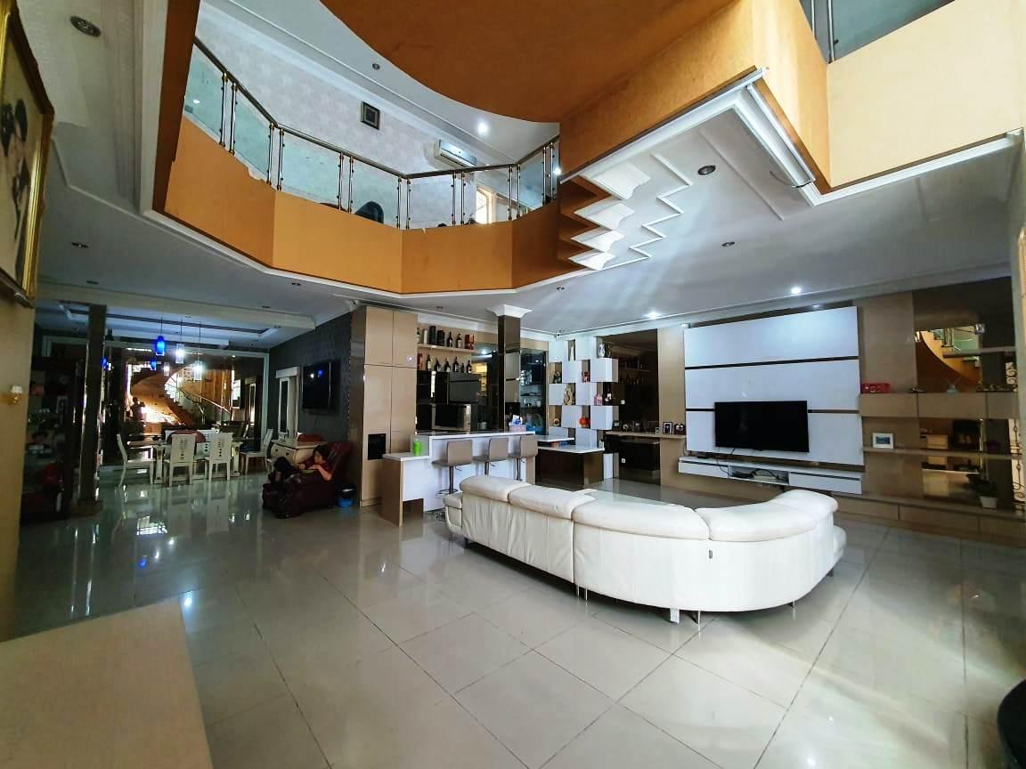 Rumah Mewah Hoek Fully Furnished Kelapa Gading Jakarta Utara - 2