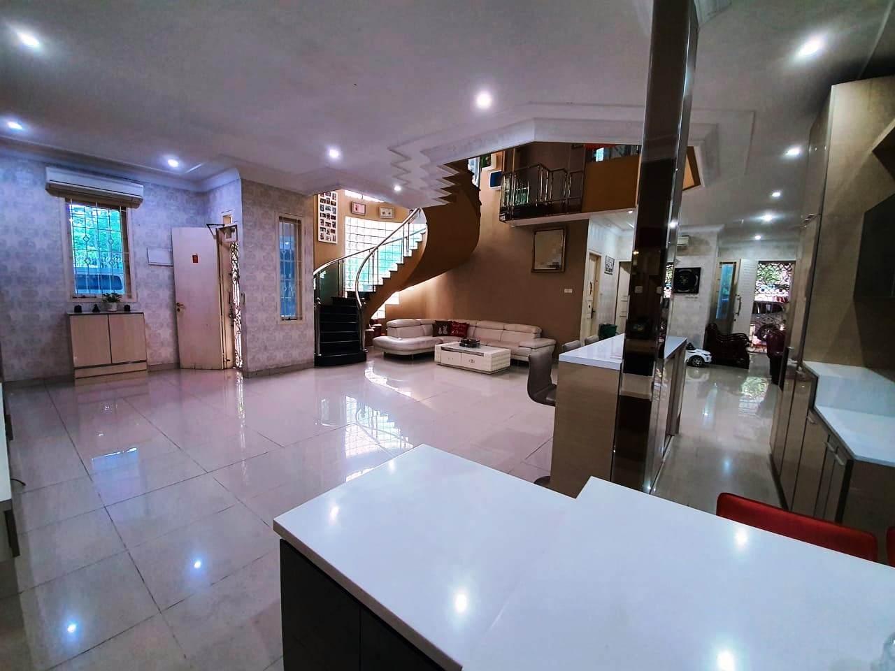 Rumah Mewah Hoek Fully Furnished Kelapa Gading Jakarta Utara - 4