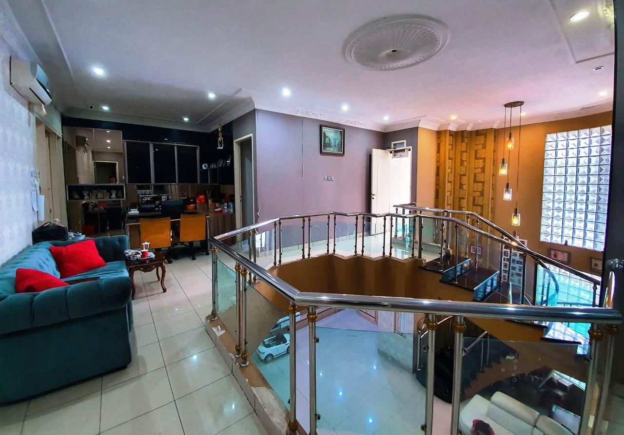 Rumah Mewah Hoek Fully Furnished Siap Huni Kelapa Gading Jakarta Utara - 8