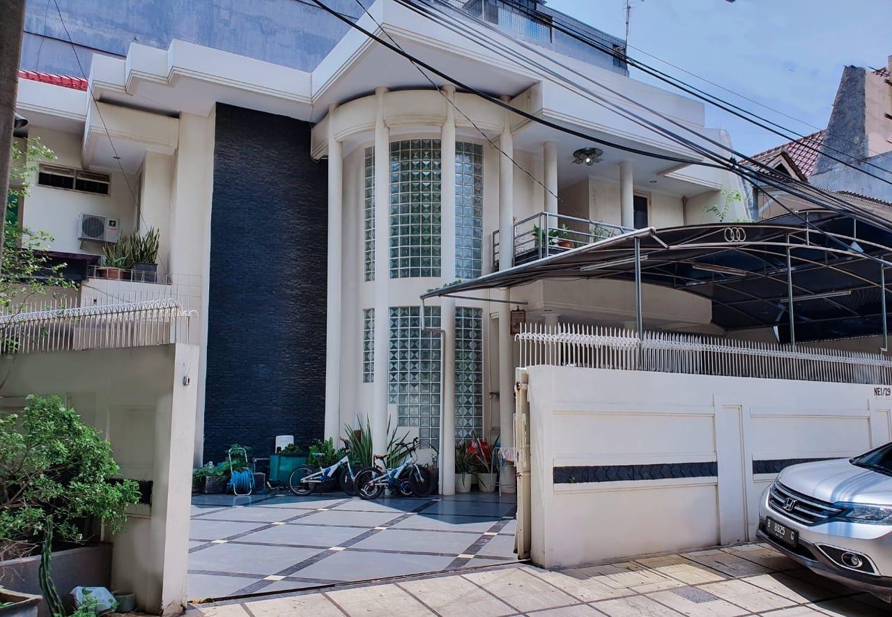 Dijual Rumah di Jalan Kelapa Puan Timur Kelapa Gading  Jakarta Utara - 1