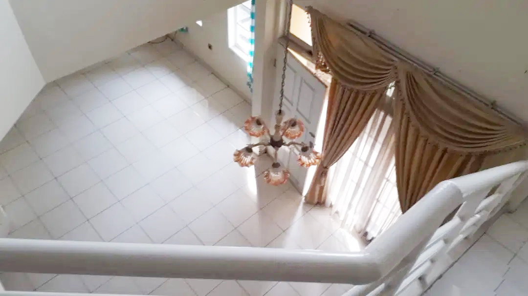 Rumah Dijual Cepat Dekat Mall Lippo Cikarang dan Waterboom Lippo Cikarang Bekasi - 11