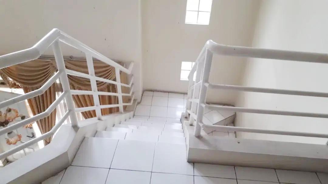 Rumah Dijual Cepat Dekat Mall Lippo Cikarang dan Waterboom Lippo Cikarang Bekasi - 12