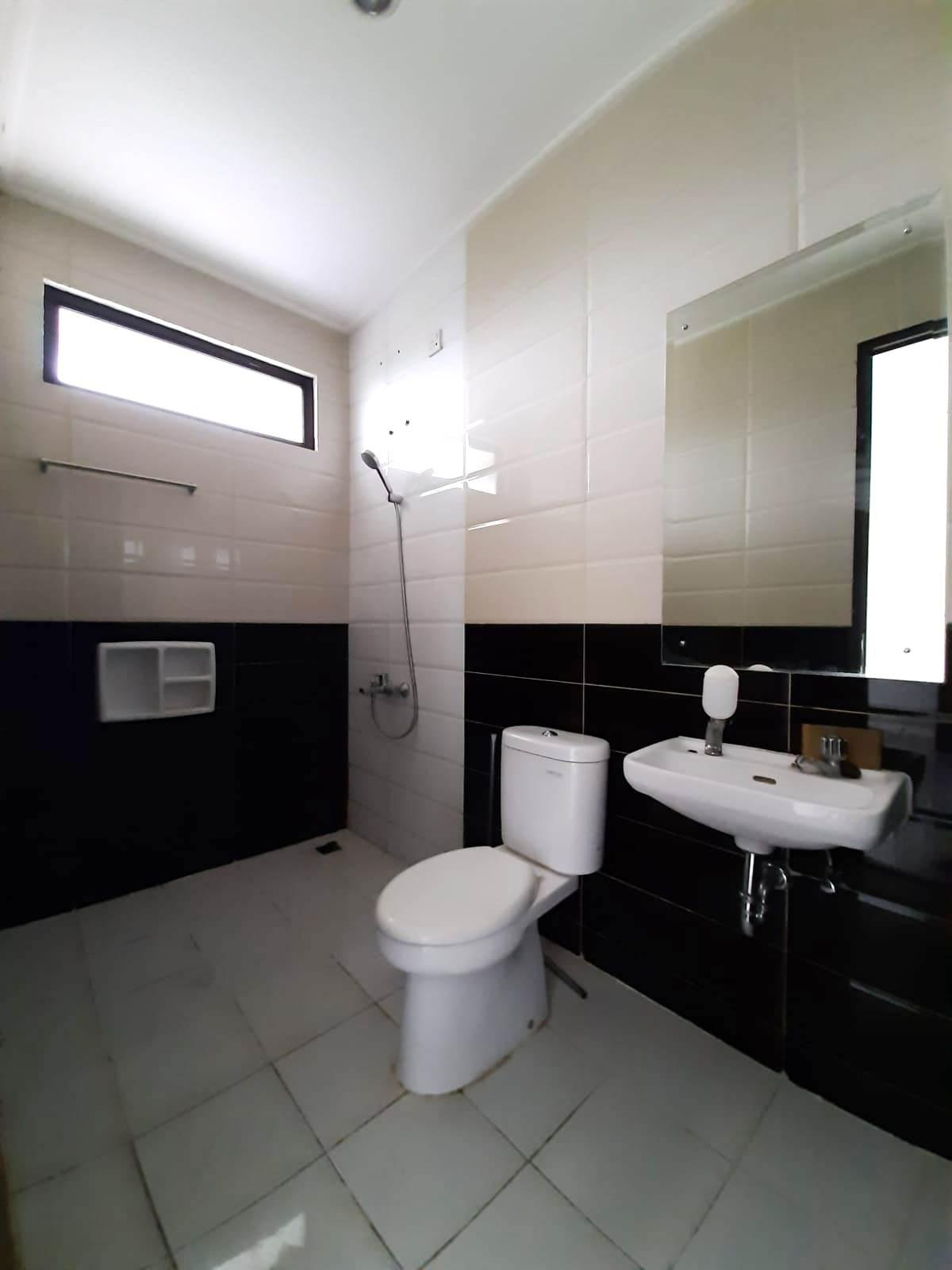 Rumah Siap Huni Cluster Arana Kota Harapan Indah Bekasi - 7