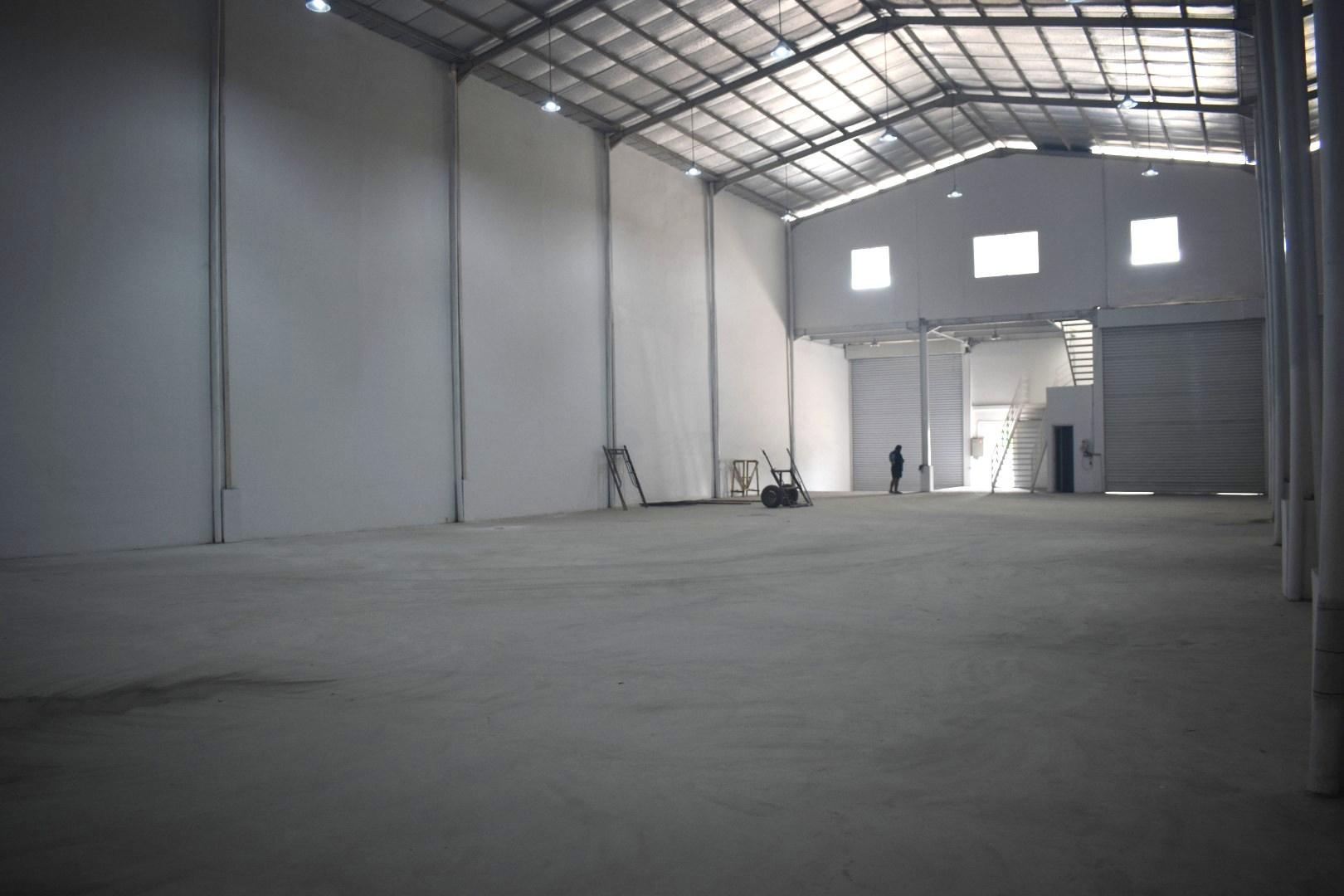 Sewa Gudang Baru Loading Dock Kawasan Industri Delta Silicon Cikarang - 6
