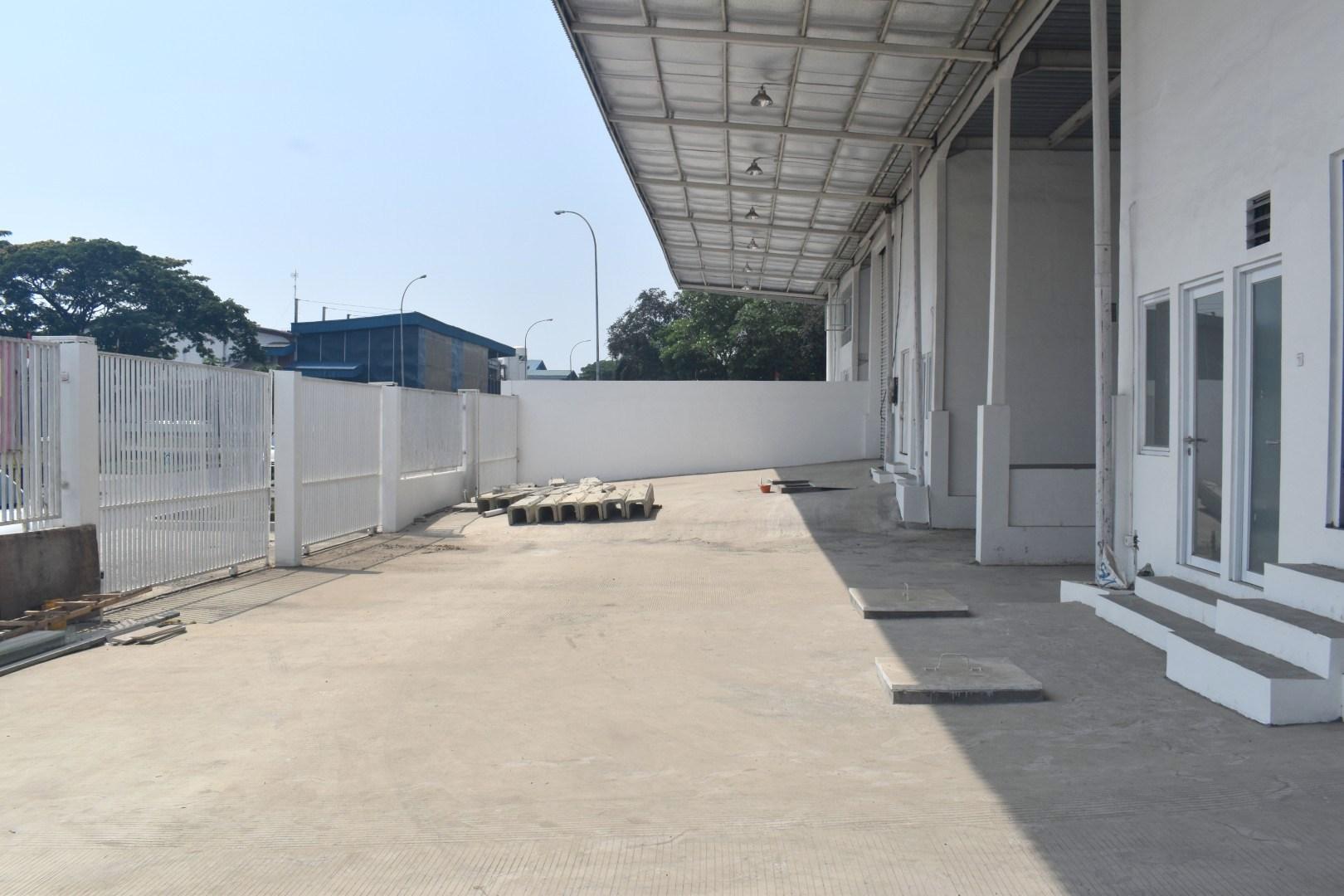 Sewa Gudang Baru Loading Dock Kawasan Industri Delta Silicon Cikarang - 12