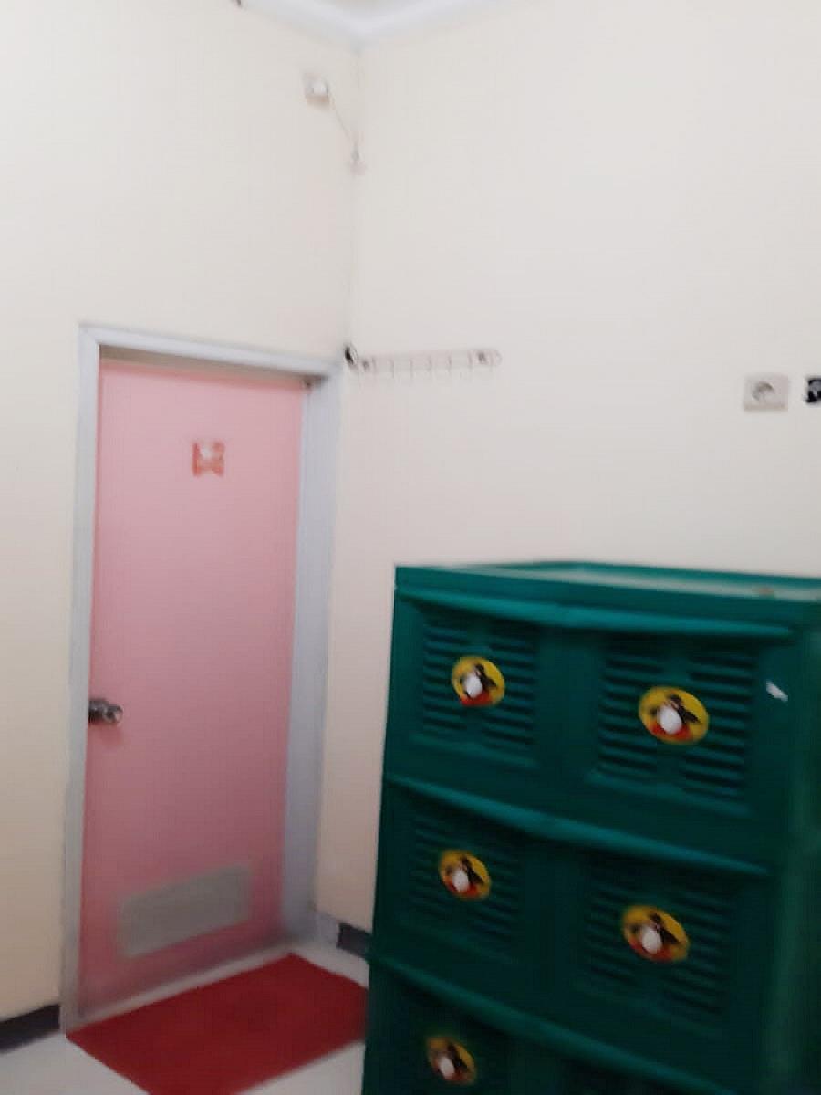 Dijual Rumah Kost 16 Kamar dan Salon di Jatiwarna Kota Bekasi Dekat Taman Mini - 9