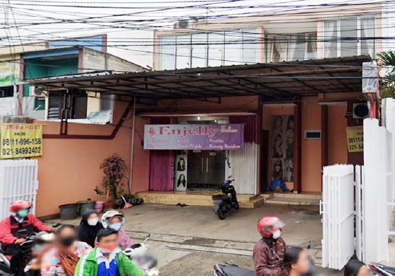 Dijual Rumah Kost 16 Kamar dan Salon di Jatiwarna Kota Bekasi Dekat Taman Mini - 1