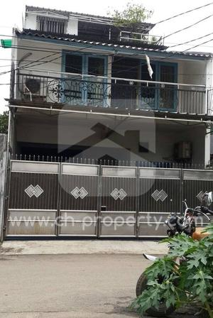 Rumah Kondisi Bagus di Kedoya Jakarta Barat - 1