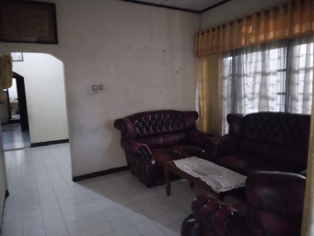 Dijual Cepat !! Rumah seken dikawasan Komersil pinggir jalan raya  Petukangan Utara, Jakarta Selatan - 5