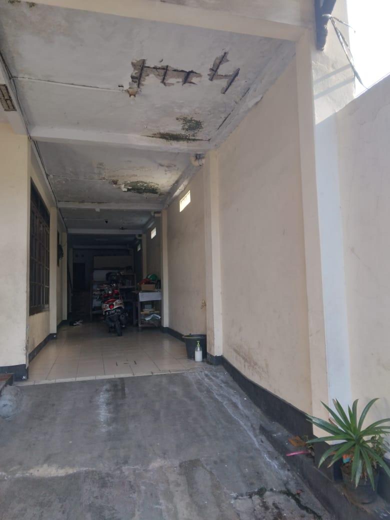 Dijual Cepat !! Rumah seken dikawasan Komersil pinggir jalan raya  Petukangan Utara, Jakarta Selatan - 3